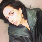 Gaga natural hair selfie